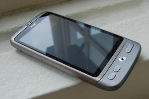 HTC-Desire-silver-Android-2