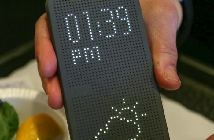 Чехол HTC Dot View