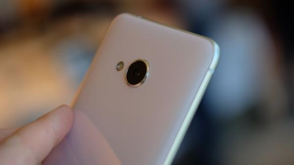 HTC U Play // trustedreviews.com