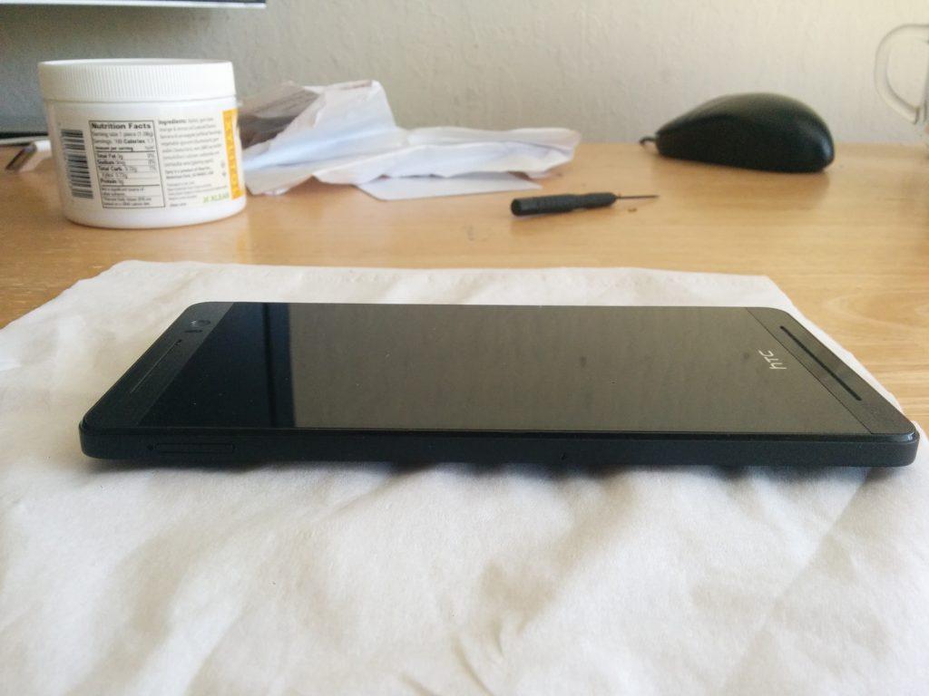 Ранний прототип HTC One M8 // androidheadlines.com