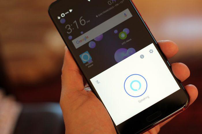 Alexa на HTC U11 // pcworld.com